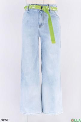 Женские голубые джинсы с поясом