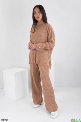 Женский коричневый трикотажный костюм