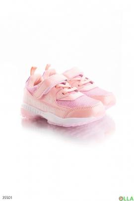 Кроссовки розового цвета