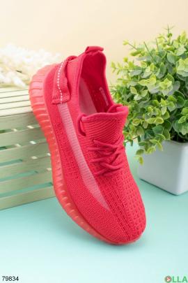Женские красные кроссовки из текстиля