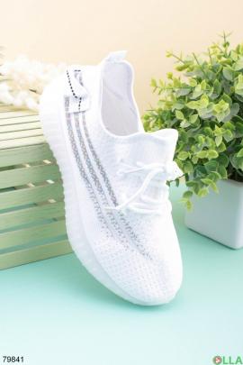 Женские белые кроссовки из текстиля