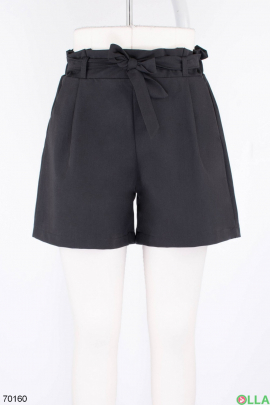 Женские черные шорты с поясом