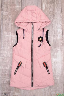 Розовая  жилетка с капюшоном