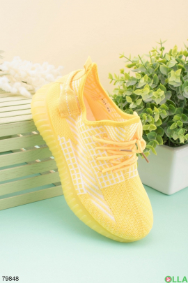 Женские желтые кроссовки из текстиля