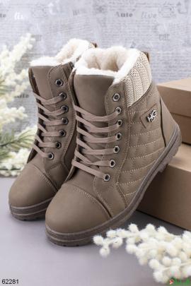 Женские бежевые зимние ботинки