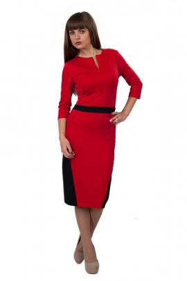 Трикотажное платье красного цвета