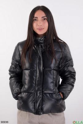 Женская черная куртка из эко-кожи