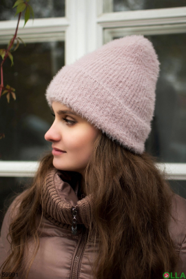 Женская розовая шапка на флисе