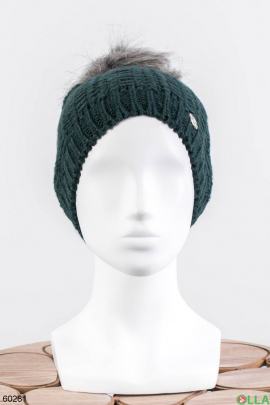 Женская зеленая шапка