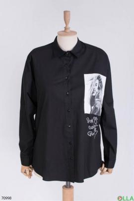 Женская черная рубашка с принтом