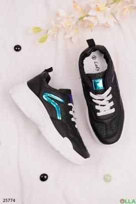 Стильные чёрные кроссовки