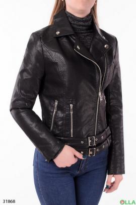 Женская куртка чёрного цвета