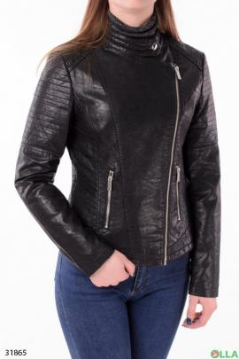 Женская косуха черного цвета