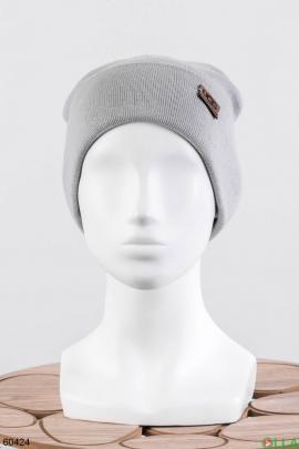 Женская серая шапка