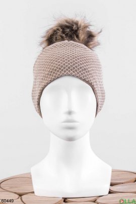 Женская бежевая шапка на флисе