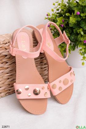 Розовые босоножки на плоской подошве