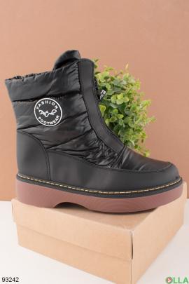 Женские черные ботинки на молнии
