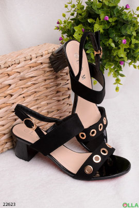 Черные босоножки на широком каблуке