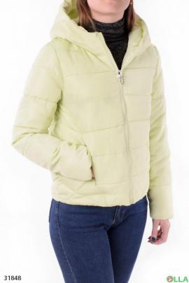 Женская куртка салатового цвета