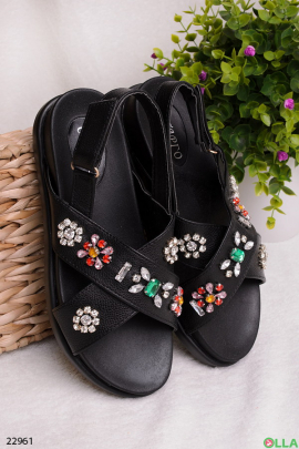 Черные босоножки с камнями