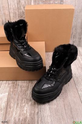 Женские чёрные ботинки на платформе
