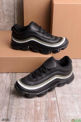 Мужские кроссовки с рельефной подошвой
