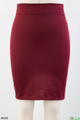 Женская красная трикотажная юбка