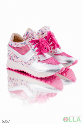 Кроссовки розовые с цветочным принтом