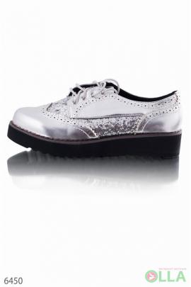 Серебристые туфли