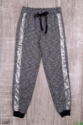 Спортивные штаны с серебристыми лампасами