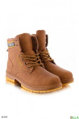Светло-коричневые ботинки на шнуровке
