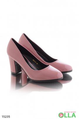 Туфли на  каблуке с закругленным носком