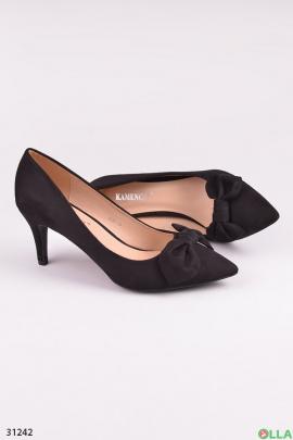 Черные туфли с бантом