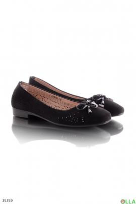 Женские туфли с перфорированным верхом
