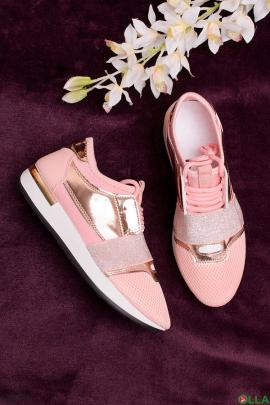 Женские кроссовки со шнуровкой