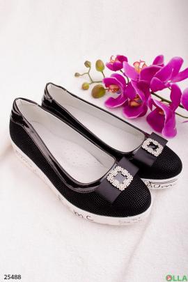Туфли с белой подошвой