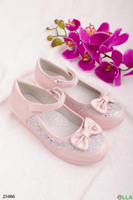 Розовые туфли с бантиком