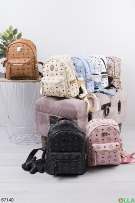 Женский рюкзак в принт