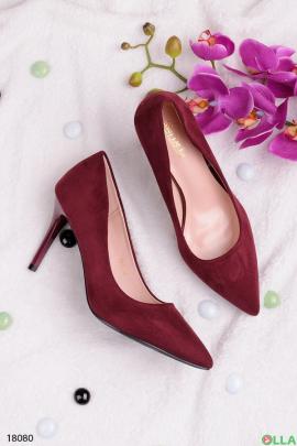 Замшевые туфельки на шпильке