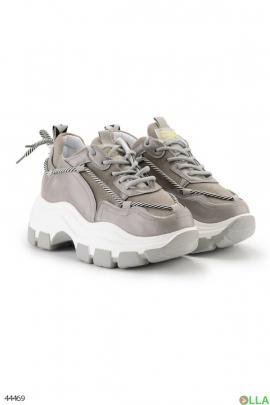 Женские  кроссовки на утолщенной подошве
