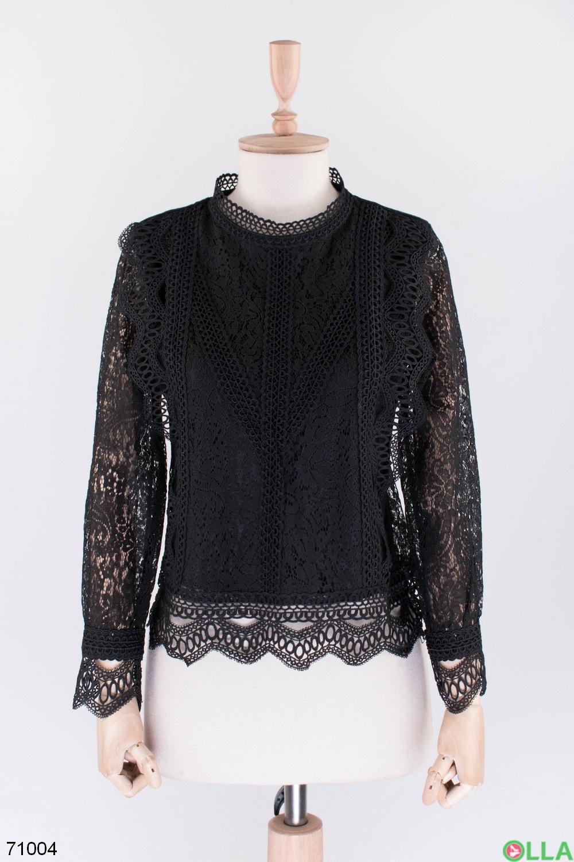 Женская черная блузка с кружевом