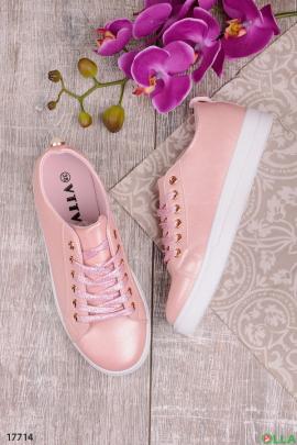 Розовые кеды со шнуровкой