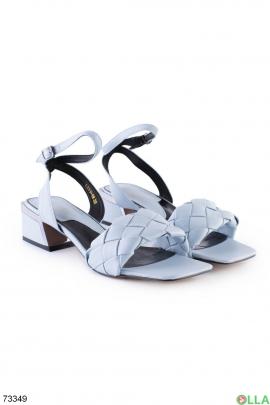 Женские голубые босоножки на каблуке