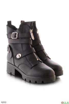 Женские черные ботинки на широком каблуке