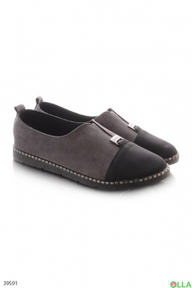Женские туфли на плоской подошве
