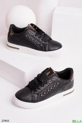 Кроссовки черного цвета с бусинами