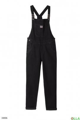 Черный джинсовый комбинезон