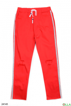 Красные штаны с лампасами