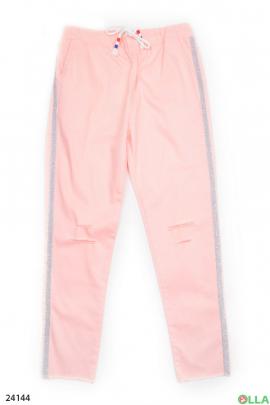 Розовые штаны с лампасами