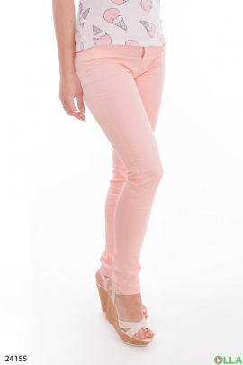 Женские брюки розового цвета